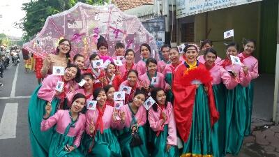 Karnaval Budaya Asia Sambut HUT MDS Gresik