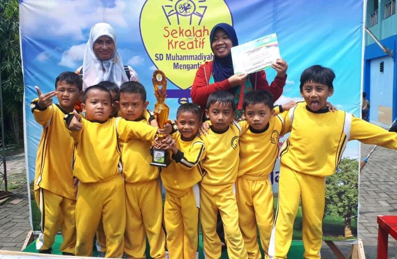 RA Nairdza  juara 1 dalam Futsal Kid competition yang diadakan oleh SD Muhammadiyah 1 Menganti.